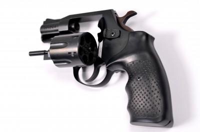 Травматический револьвер Latek SAFARI 820G, пластиковая рукоятка